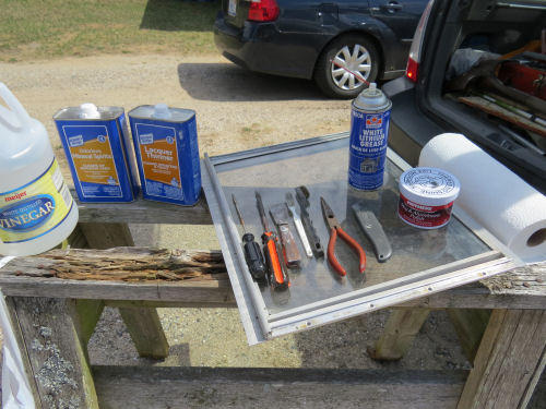 materials and tools to clean aluminum trailer windows