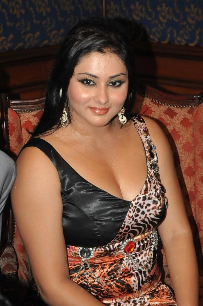Mallu b grade actress nude bathing scene - 3 8