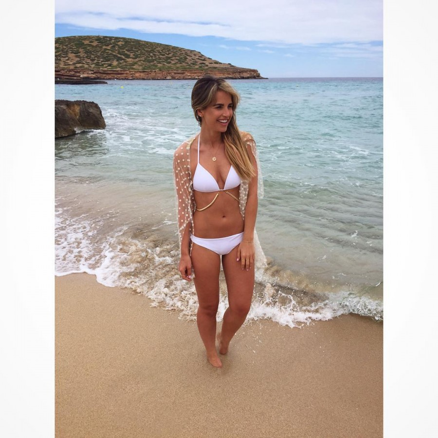 Vogue Williams sizzles in bikini