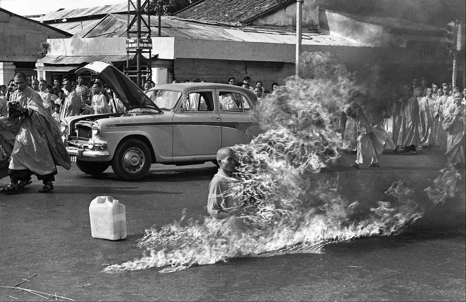 11 Juni dalam Sejarah :  Friday, January 29, 2016 Aksi Bakar Diri Biarawan Buddha di Saigon