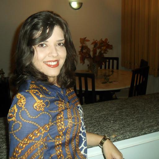 سورية لم يسبق لى الزواج مقيمة فى الشرقية ابحث عن زوج خليجي