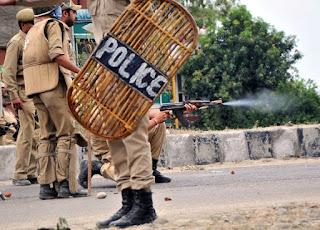 جموں کشمیر میں لوگوں کو امان اللہ خان کی عائیبانہ نماز جنازہ سے روک دیا گیا