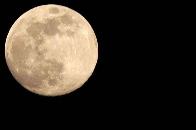 JUN 2017 moon at 98.8% full