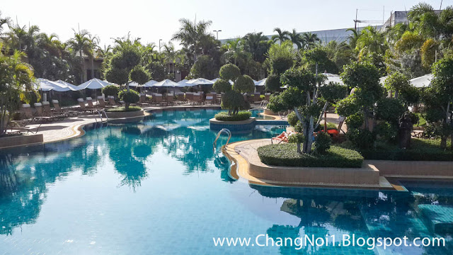 Swimming pool at the Thai Garden Resort in Pattaya, Thailand