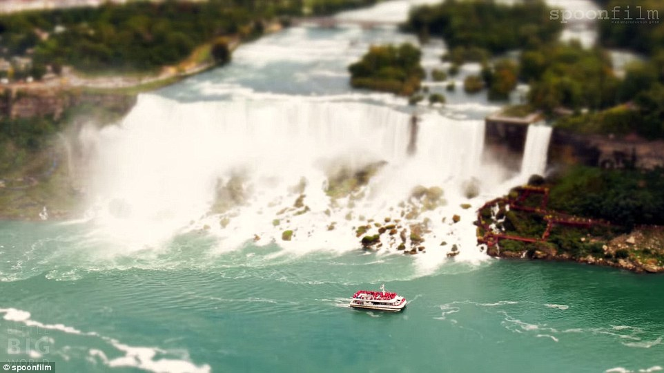 Tilt-Shift Timelapse Turns Niagara Falls Into Tiny Tourist Attraction