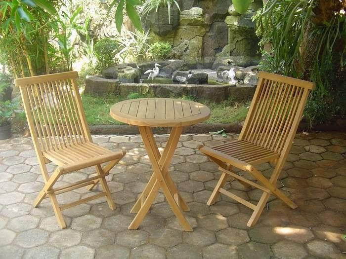 mesa y sillas jardin en madera