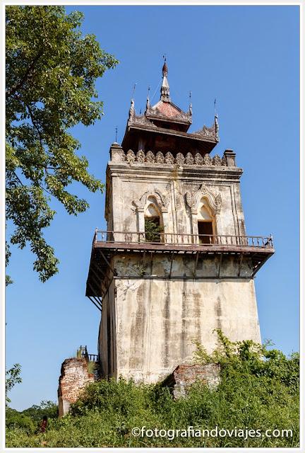 Torre del palacio de Inwa