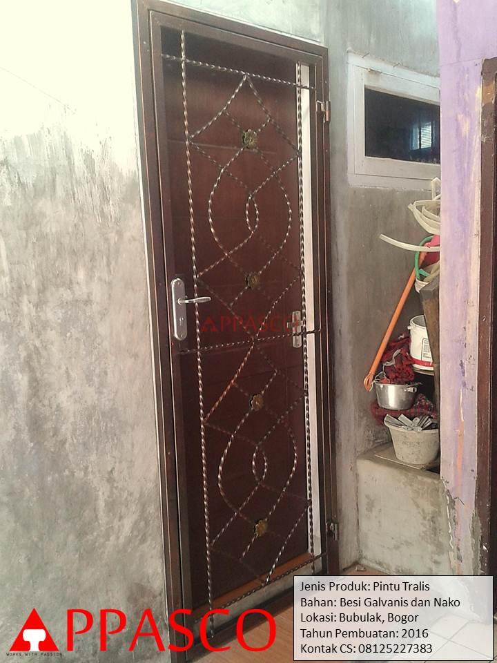 Pintu Teralis di Bubulak Bogor