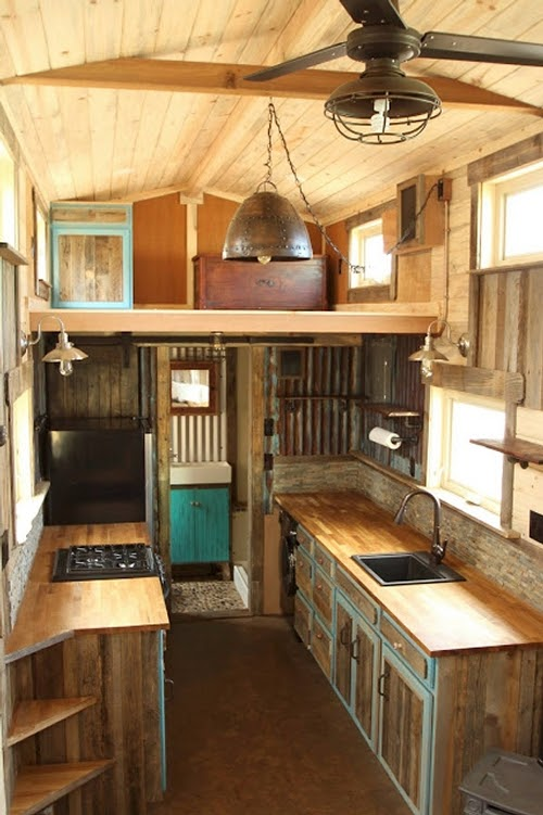 02-Kitchen-and-Bathroom-Sustainable-Architecture-with-a-Tiny-House-on-Wheels-www-designstack-co