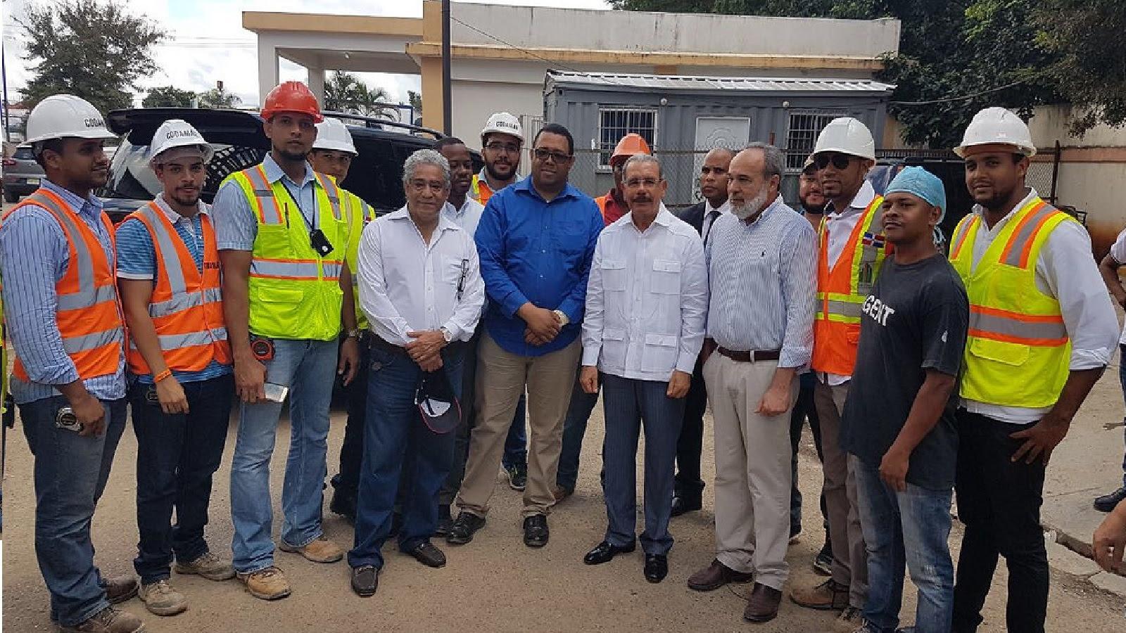 Danilo Medina supervisa avances Hospital Moscoso Puello y Ciudad Sanitaria Luis Eduardo Aybar