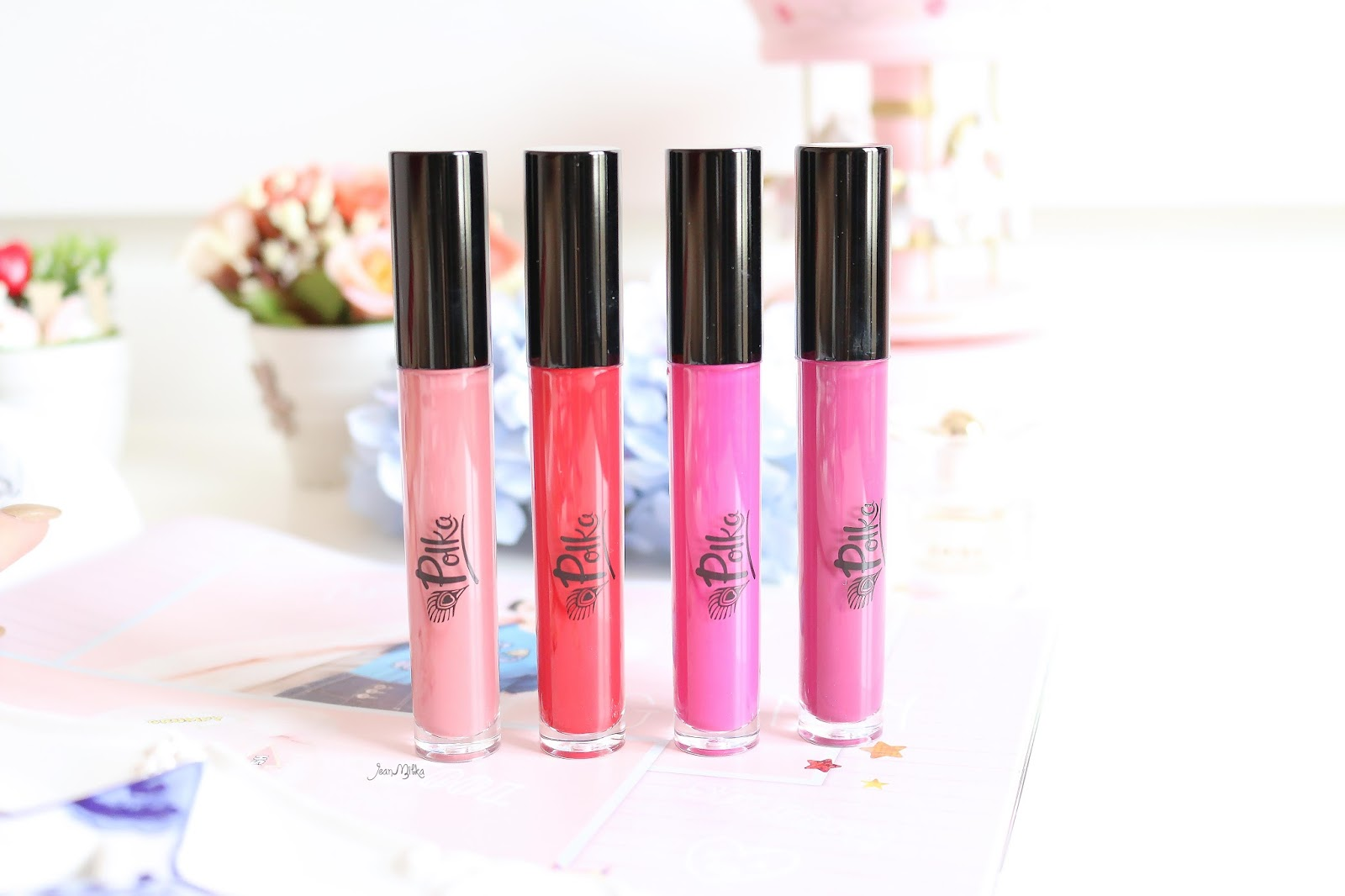 polka, polka beauty, lip lacquer, polka cosmetics, polka matteness, polka lip lacquer, matte lipstick, matte, lip, review, swatch, drugstore, produk indonesia
