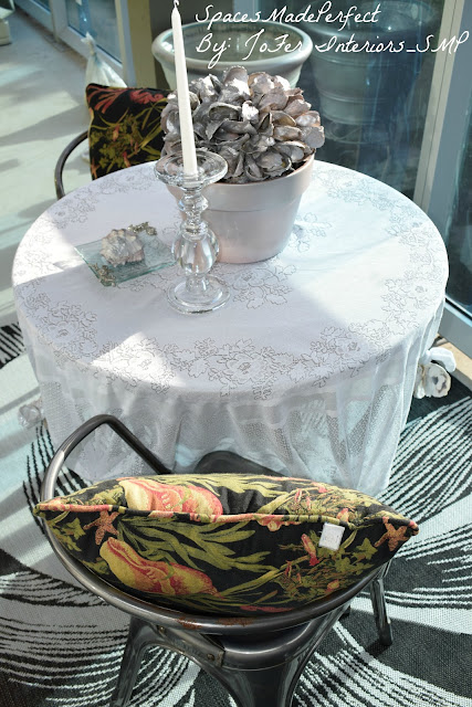 Oyster & See Shells used as patio table linen decor