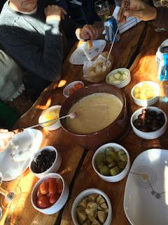 Foundue de queijo do passeio Roca Negra em Bariloche