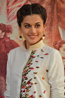 Taapsee Pannu Looks Super Cute in White Kurti and Trouser 12.JPG