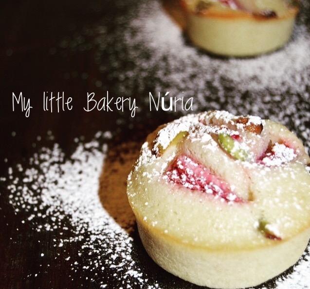 strawberry-pistachio-cake, mini-cakes-de-fresas-y-pistachos