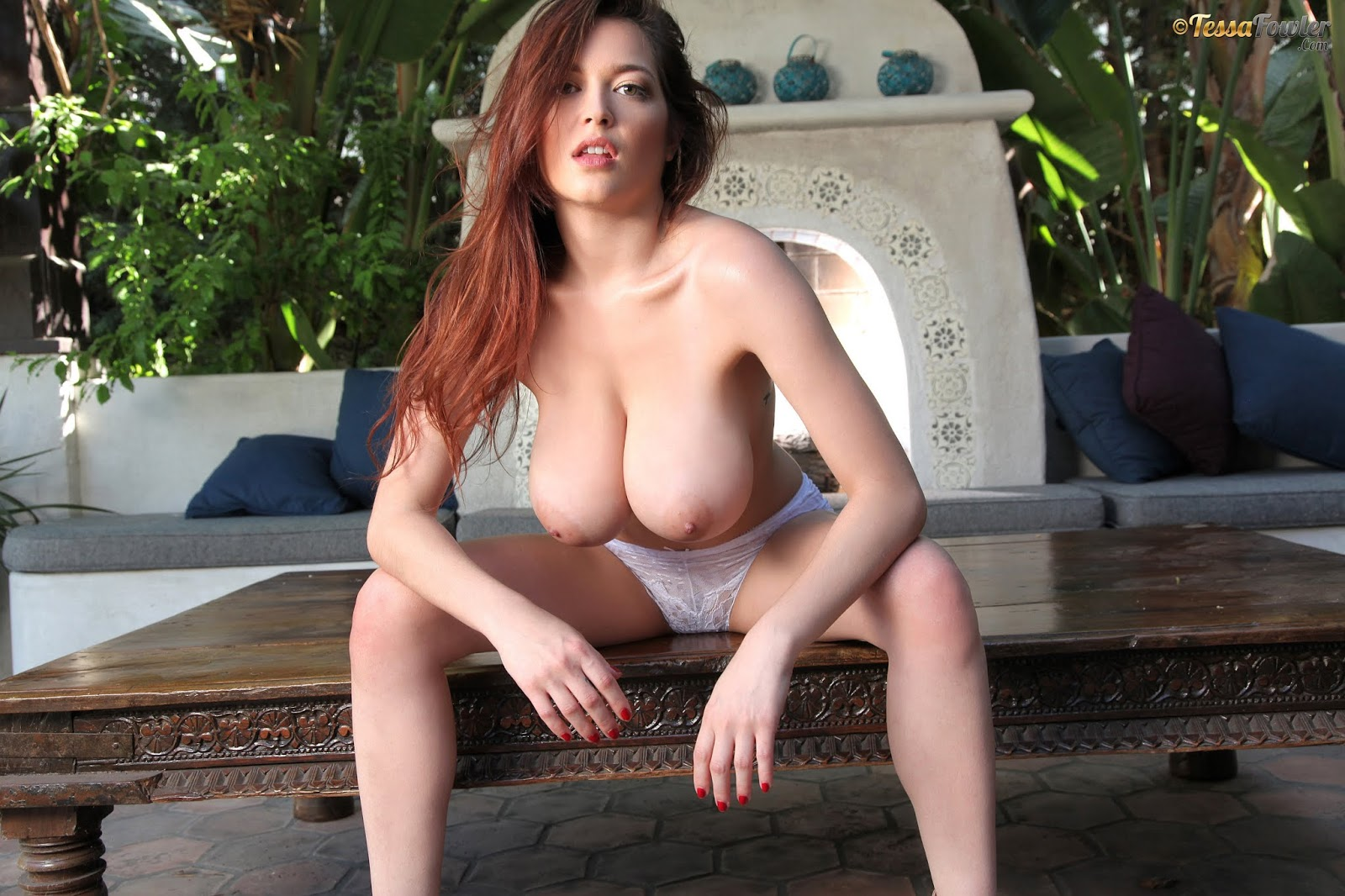 Laura flannery nude topless and hot sex liz tabish and robin hines nude topless and sex