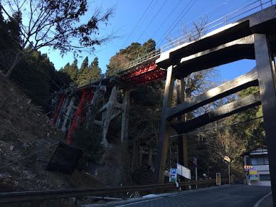 御岳ケーブルカー 滝本駅付近