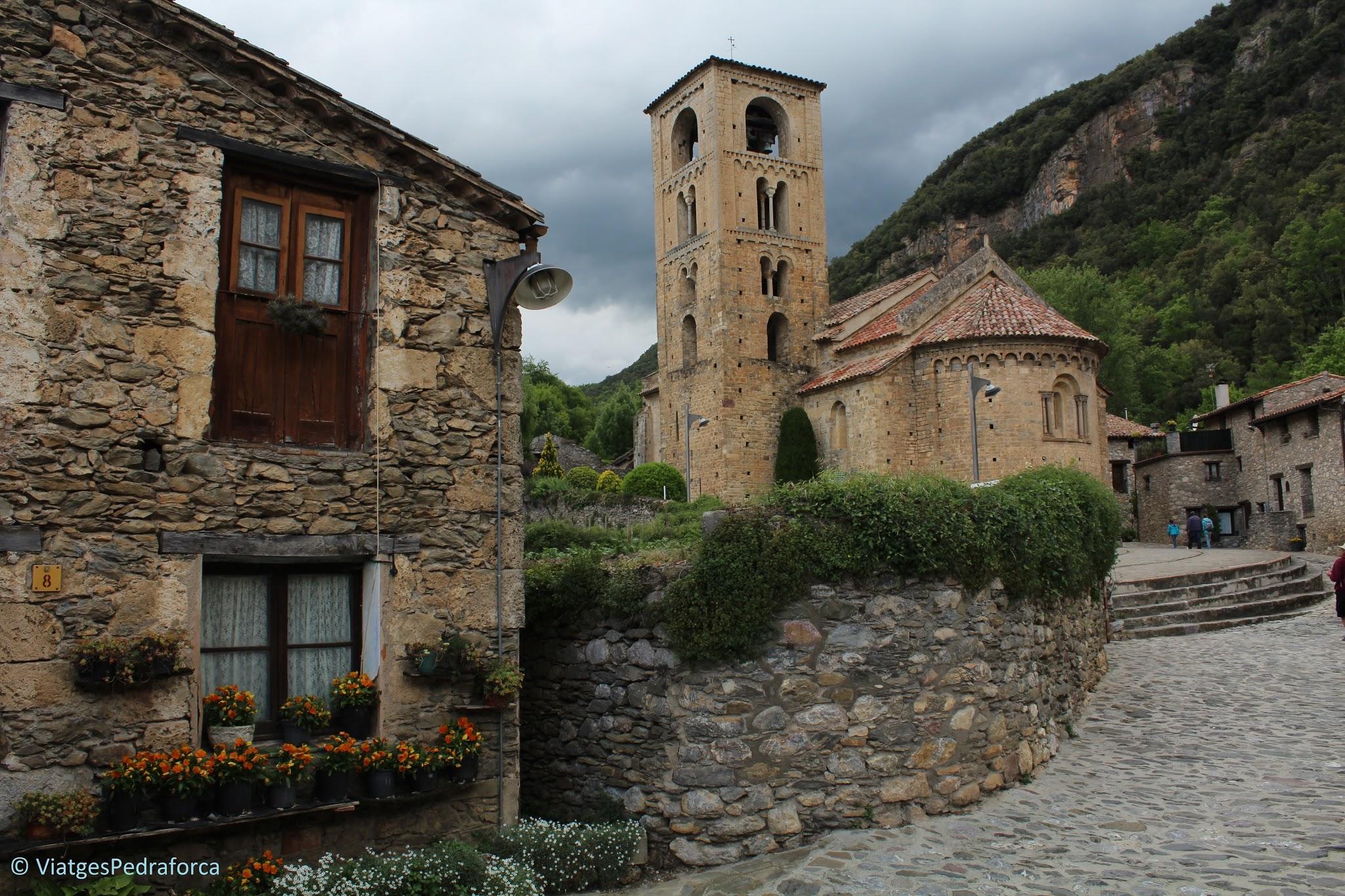 Els pobles més bonics de Catalunya, Alta Garrotxa, ruta senderista, Girona, Catalunya, art romànic