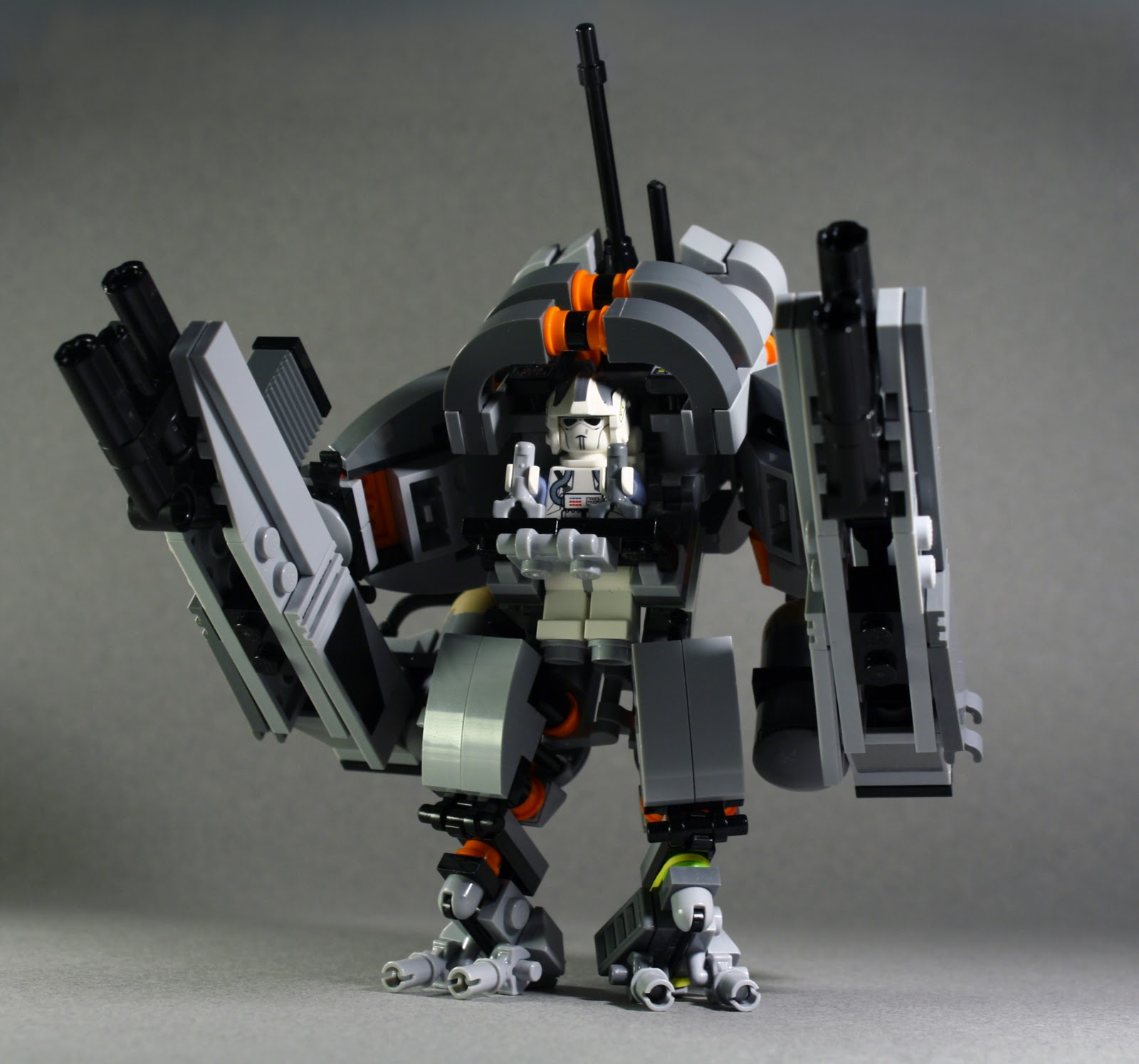 Markiepo0's Lego Blog: My First Lego Mech