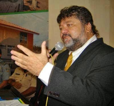 POLÍTICA: Fause Simão desmente convite para compor governo de Fábio Gentil
