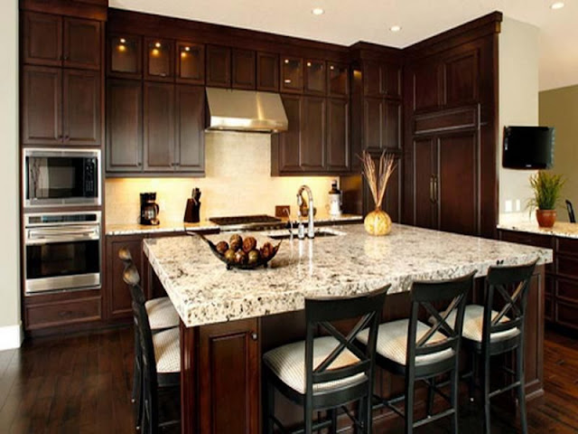 Wood kitchen styles with modern appliances and warm colors Wood kitchen styles with modern appliances and warm colors 51db94c68cbdb20d709a3948cc7a4a22