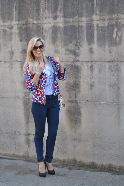 outfit giacca stampata come abbinare una giacca stampata abbinamenti giacca stampata how to wear printed blazer how to combine printed blazer outfit primaverili outfit maggio 2016 outfit primaverili casual outfit maggio 2016 may outfit spring casual outfit mariafelicia magno fashion blogger color block by felym fashion blogger italiane fashion blog italiani fashion blogger milano blogger italiane blogger italiane di moda blog di moda italiani ragazze bionde blonde hair blondie blonde girl fashion bloggers italy italian fashion bloggers influencer italiane italian influencer