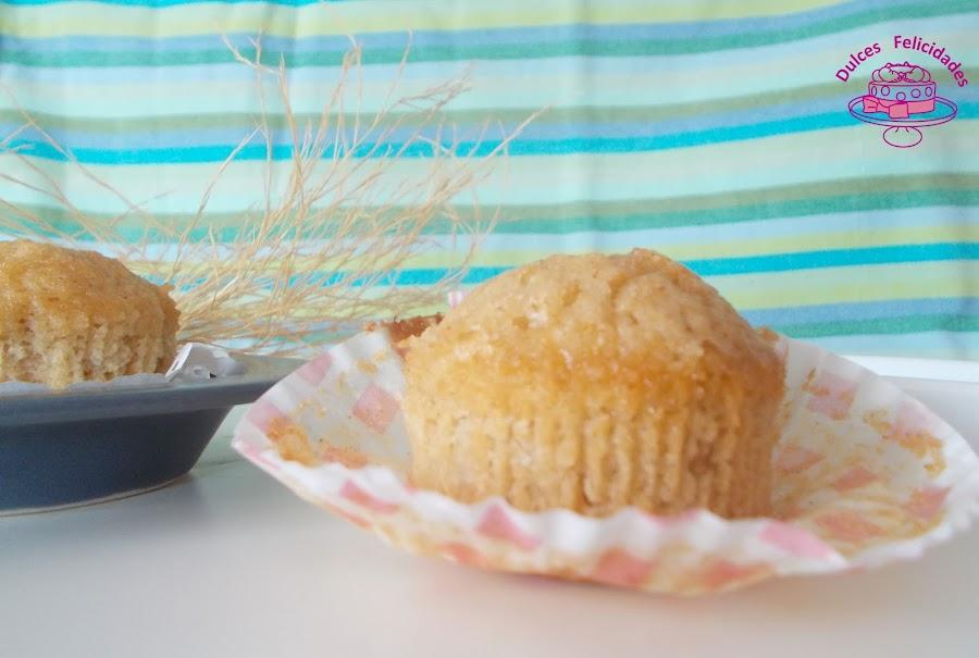 Magdalenas de coco y manzana