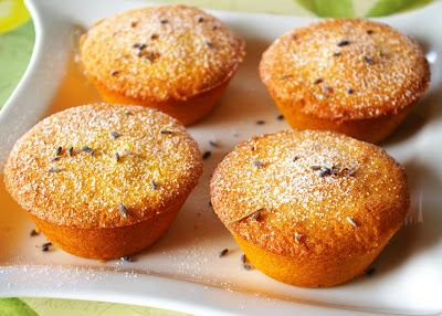 cytrynowe muffinki z polenty, muffinki cytrynowo-lawendowe