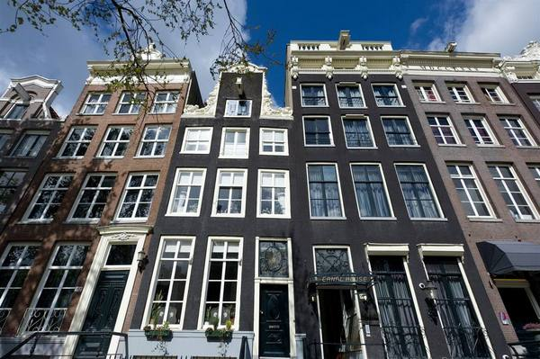 exterior of Canal House in Amsterdam