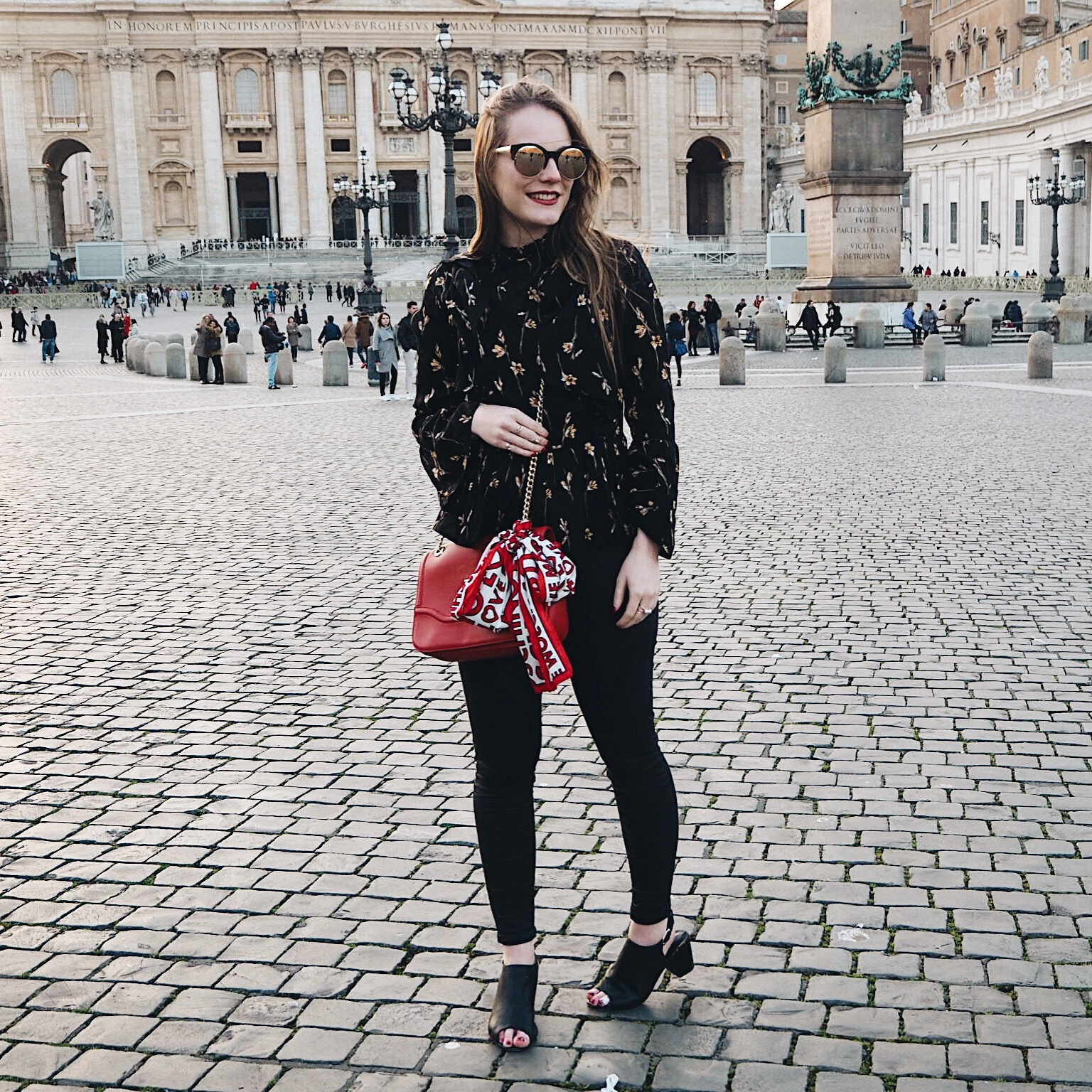 travelling rome, what to wear rome, rome, rome travel guide, what i wore in rome, topshop blouse, moschino bag, love moschino bag