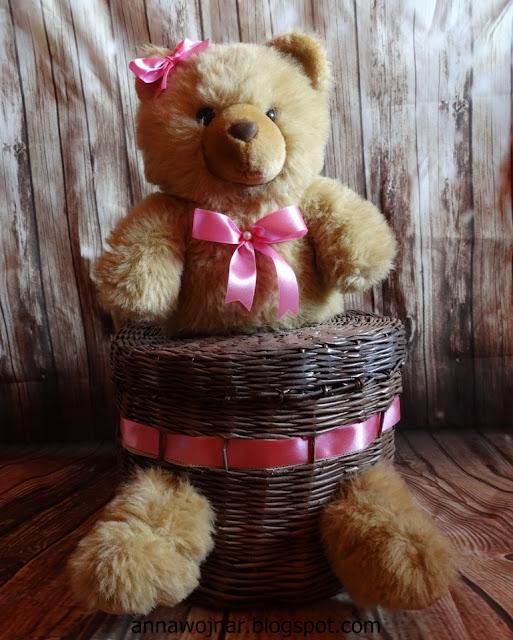Koszyk – miś do pokoju dziecka :)