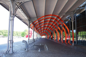 Expo : Felice Varini, la Villette en suites - Anamorphoses monumentales, architecture transfigurée - Jusqu'au 13 septembre 2015