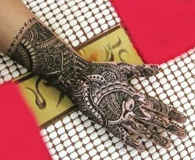 Latest-&-stunning-punjabi-mehendi-designs-2017-for-girls-12
