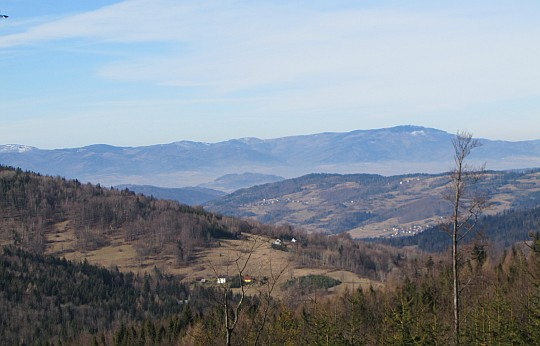 Beskid Śląski - od Babiej Góry (z lewej) po Skrzyczne (z prawej).