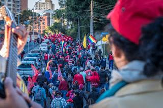 Cinco mil pessoas marcharam 8 km para prestar solidariedade ao ex-presidente Lula