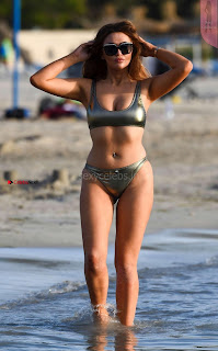 Charlotte-Dawson-in-Bikini-2017--09+%7E+SexyCelebs.in+Exclusive.jpg