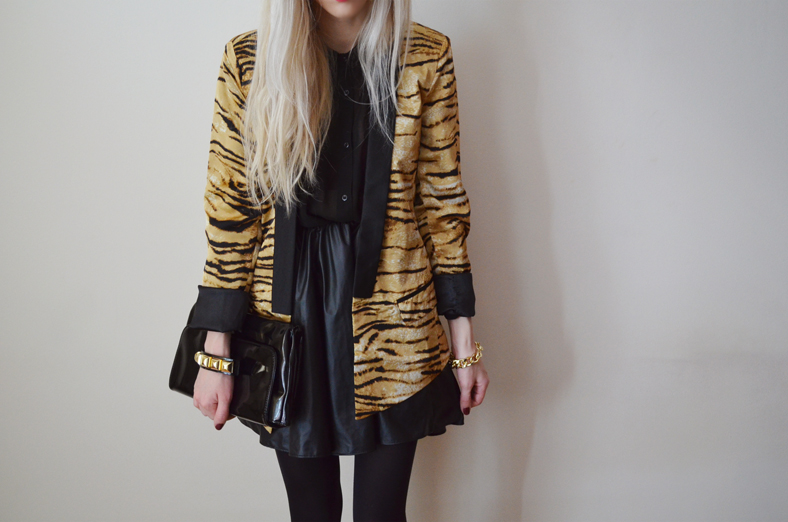 BLACK, GOLD & TIGER