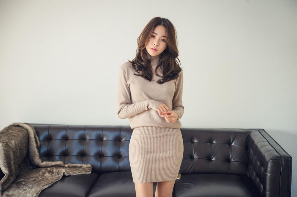 Korean Model An Seo Rin On Magazine - Jan 2017