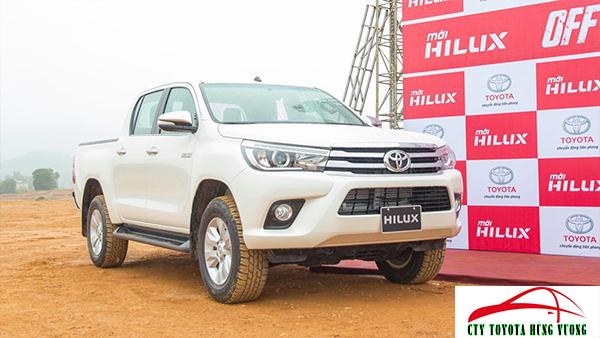 Giá xe, thông số kỹ thuật và đánh giá chi tiết bán tải Toyota Hilux 2018 nhập khẩu - ảnh 3