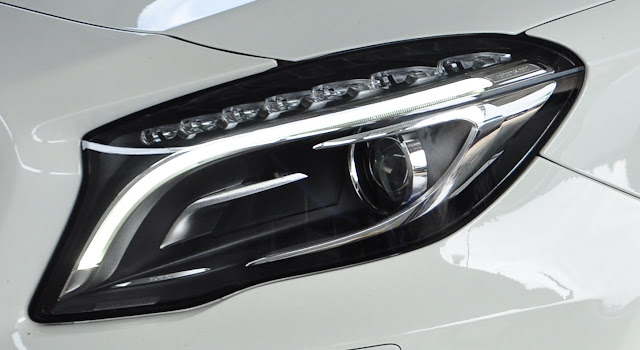 Mercedes GLA 200 sử dụng cụm đèn trước Bi Xenon