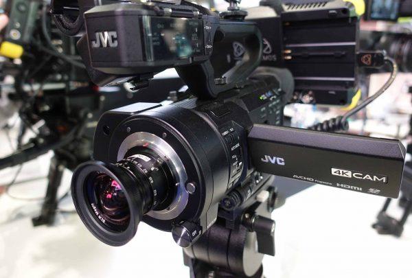 Объектив SLR Magic 8mm f/4 с камерой JVC GY-LS300