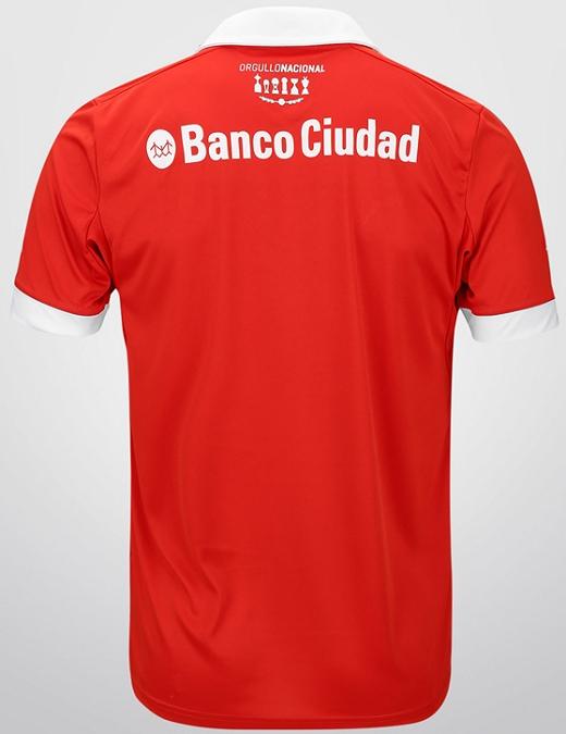 fee41c0ba A camisa é uma edição limitada fabricada pela Puma e será vendida em uma  caixa especial.