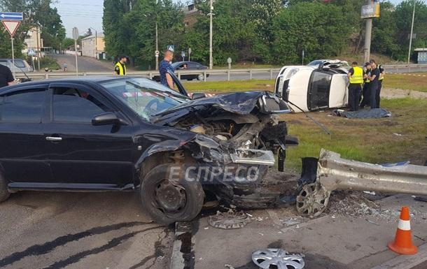 У Києві внаслідок ДТП загинув пасажир таксі