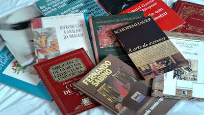 Livros comprados na Estante Virtual