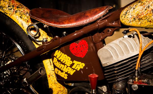 moottoripyörän nahkasatula keltainen custom