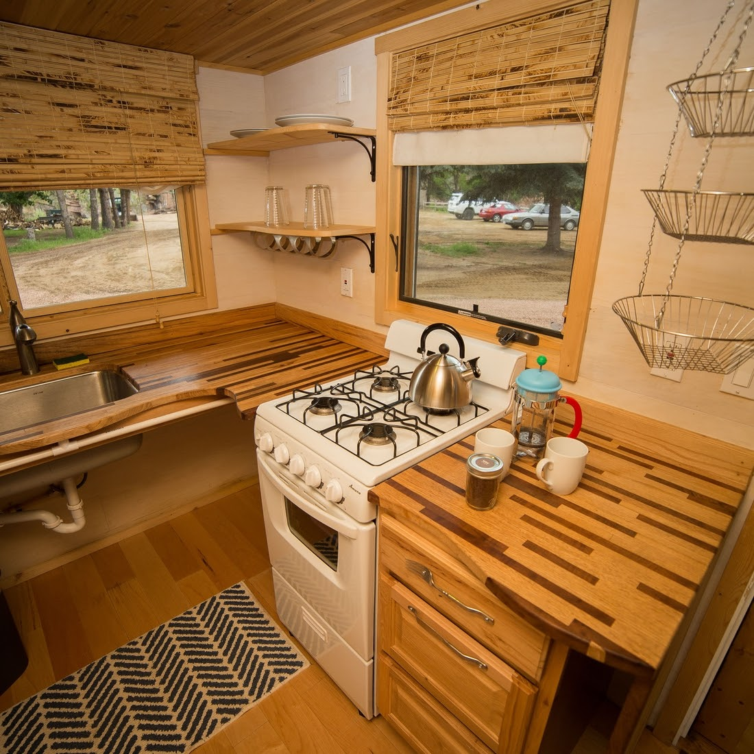 09-Kitchen-WeeCasa-The-Pequod-Tiny-House-Architecture-www-designstack-co