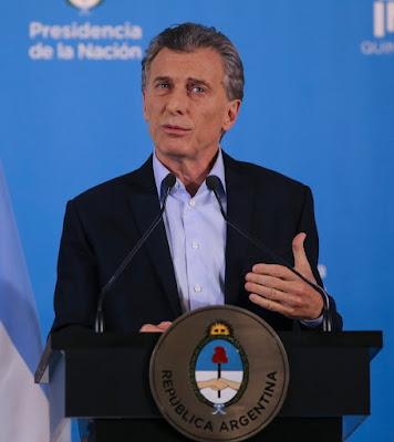 Aportes truchos a la campaña de Cambiemos: en conferencia de prensa en Olivos, Mauricio Macri le tiró el fardo a la gobernadora María Eugenia Vidal