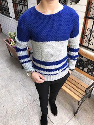 Murat Boz tarzı, geniş yaka, mavi ve gri renk kazak