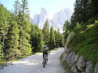 5 Alasan Mengapa Traveler Tertarik Wisata Ke Gunung