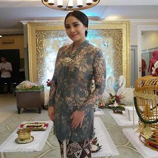 Model Kebaya Nagita Slavina